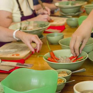 Saigon Cooking Classes by Hoa Tuc: cooking in a peripatetic school