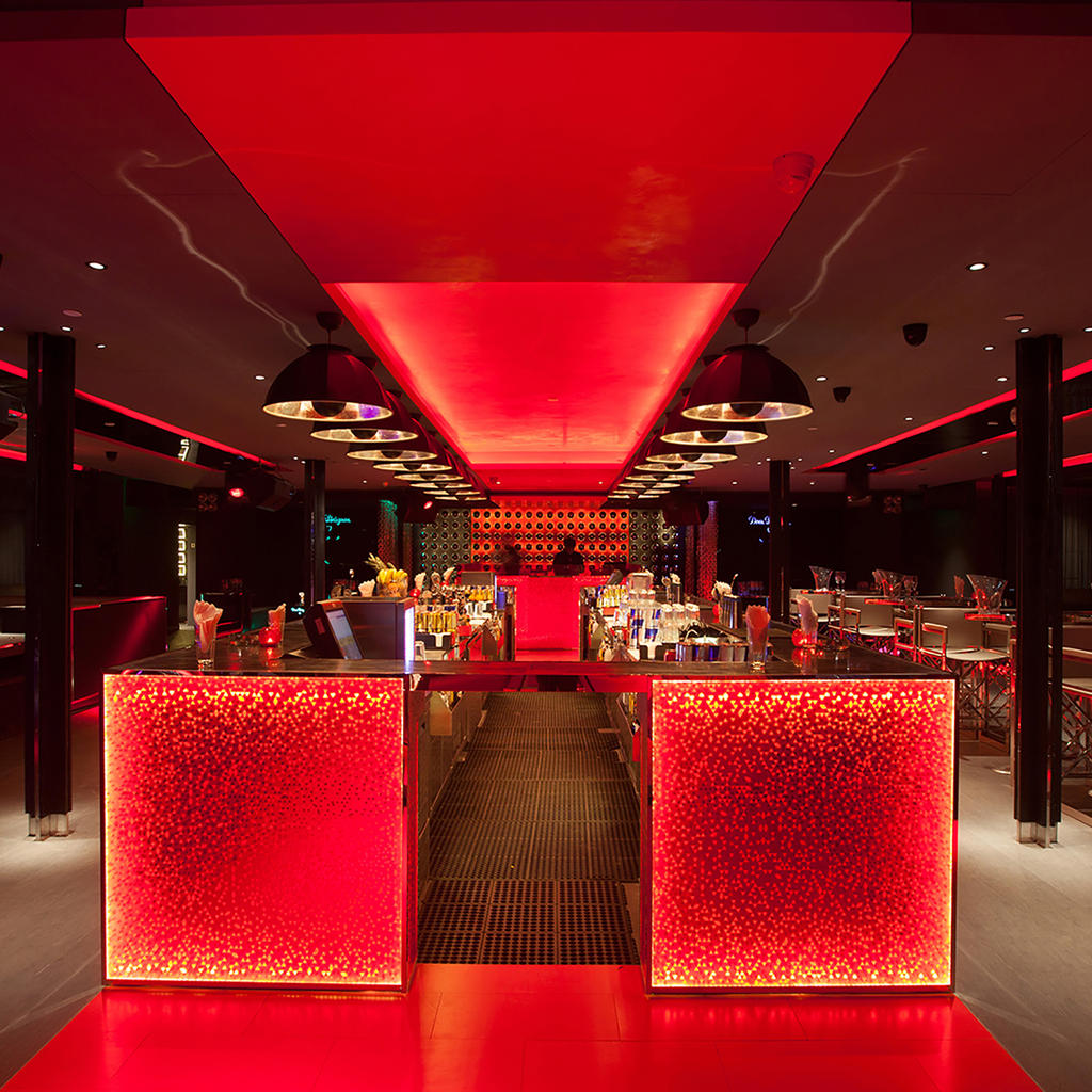 Bar Rouge: as red as the Chinese flag