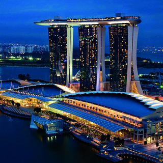 Marina Bay Sands: an incomparable view overlooking the city