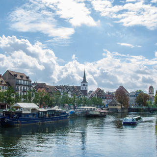 The 'bateau-mouche' (riverboat): little prince of the river cruise