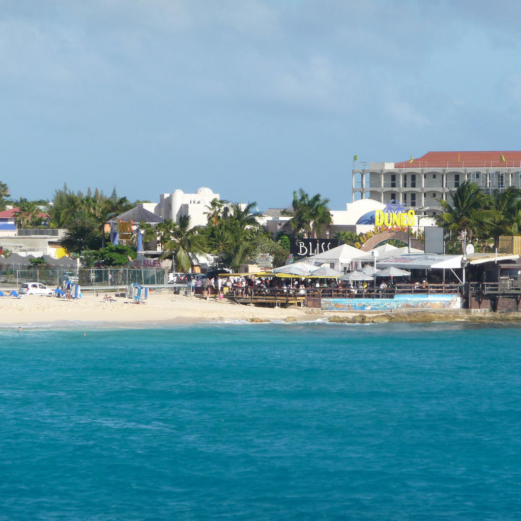 Bliss: the hottest night spot in Saint Martin