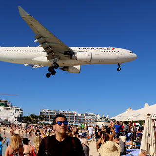 Maho Beach: a spectacular approach