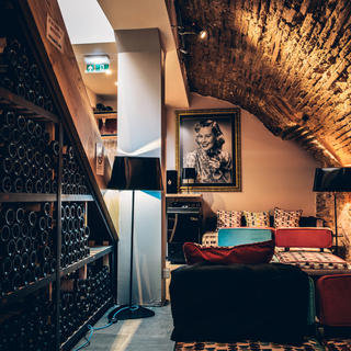 Grand cru wines in self-service at N°5 Wine Bar