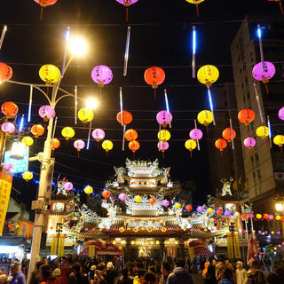 Immerse yourself in Taipei's night markets