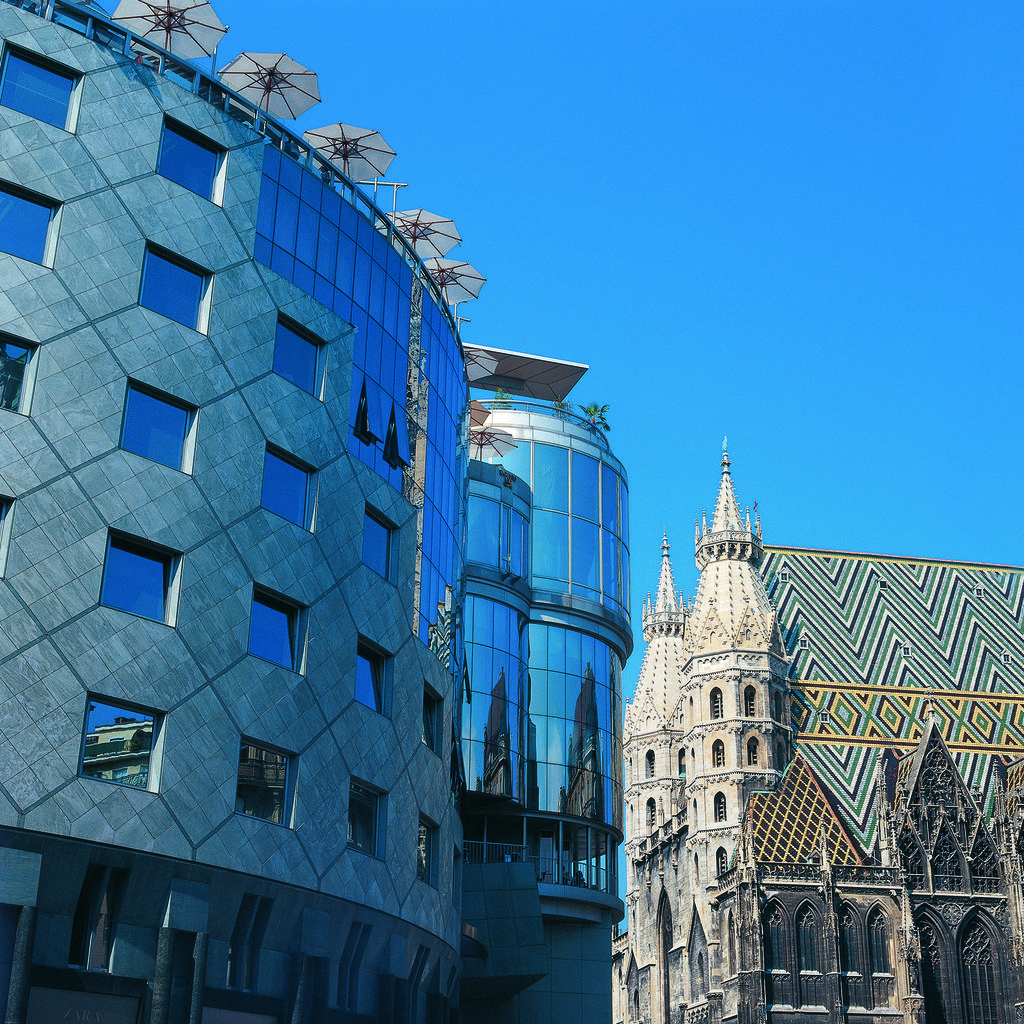 Do & Co Hotel Vienna: very fashionable steel and glass