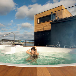 Bota Bota: an innovative floating spa