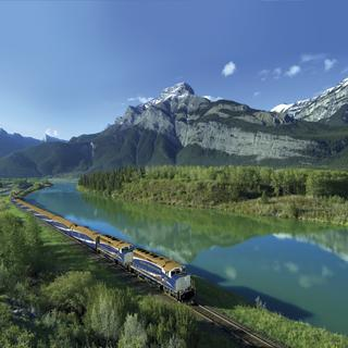 Enjoy the wonders of Western Canada from the Rocky Mountaineer
